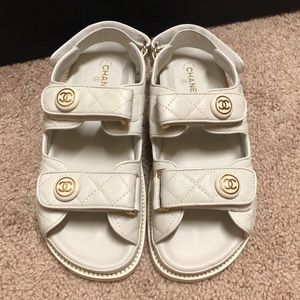 💯 Auth CHANEL white leather 'DAD' sandals Size38C